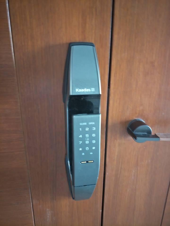 Lắp đặt khóa điện tử kaadas k8 tại khu công nghệ cao Láng Hòa Lạc